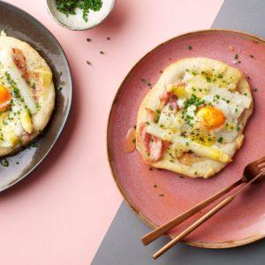 Ztrdg: aspergepizza met ei voor het ontbijt