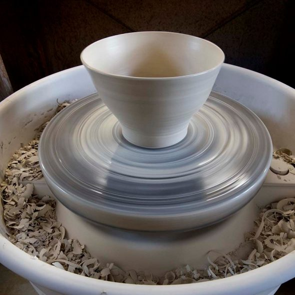 throwing-porcelain-bowl-800x800