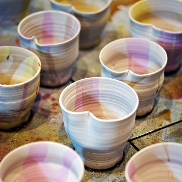 8-close-up-colored-clay-cups-800x800